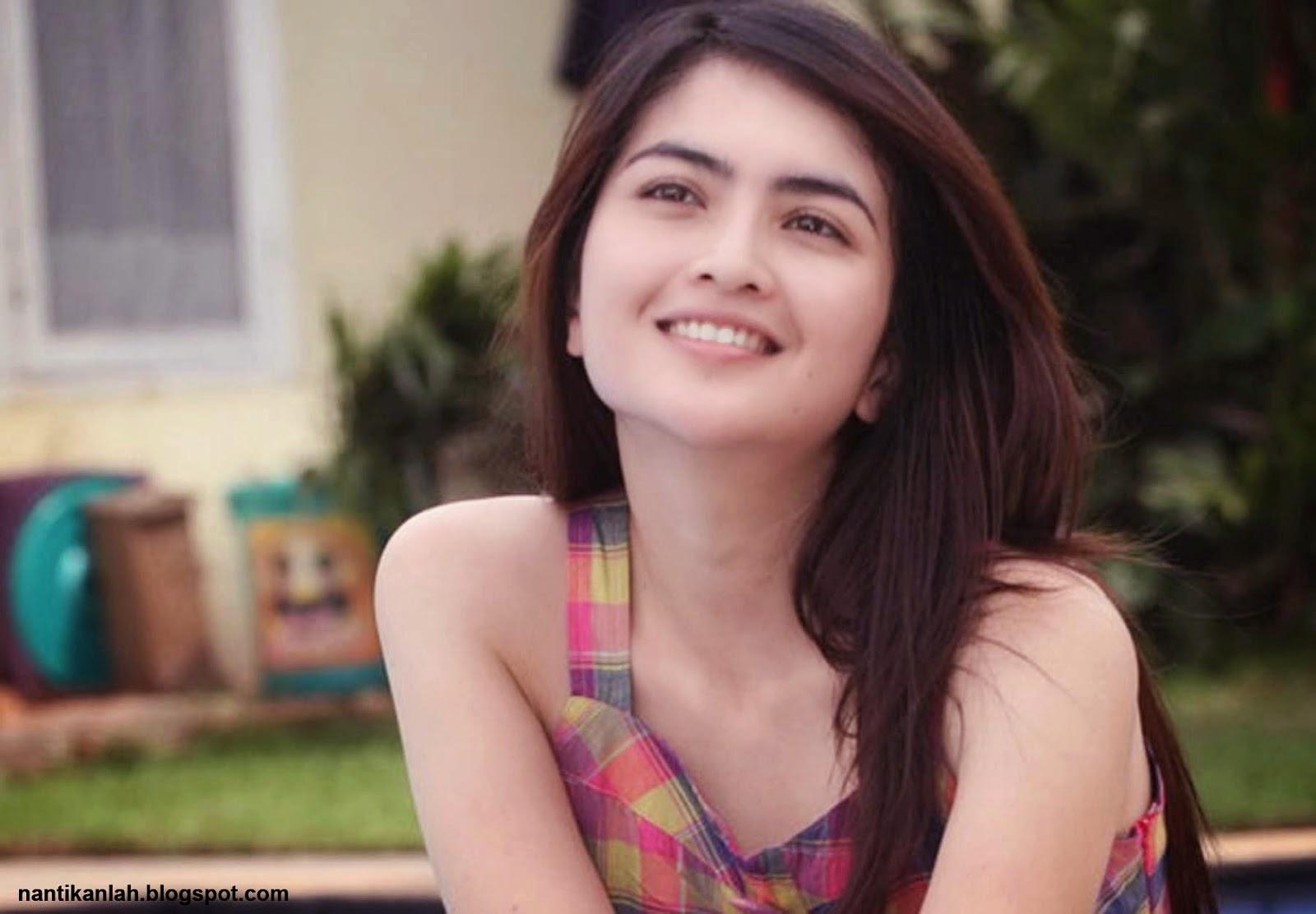 Foto Model Foto Artis Indonesia Terbaru