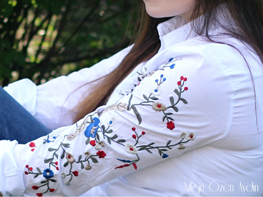 www.nilgunozenaydin.com-Embroidered Slim White Blouse