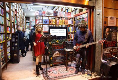 katia colika-emanuel carnevali-libreria nuova AVE-Reggio Calabria- ph-marco costantino-la santa furiosa