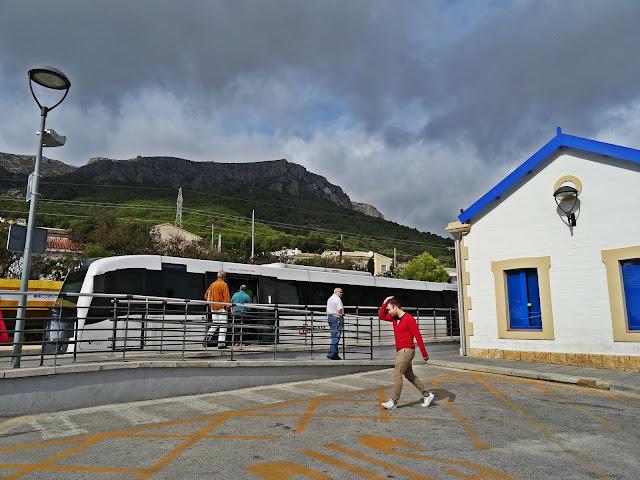 stacja kolejowa w Calp Costa Blanca