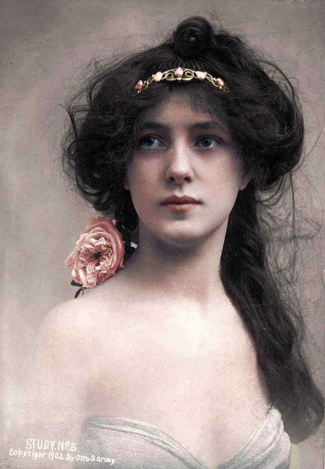 Hình ảnh phụ nữ ngày xưa và ngày nay_3