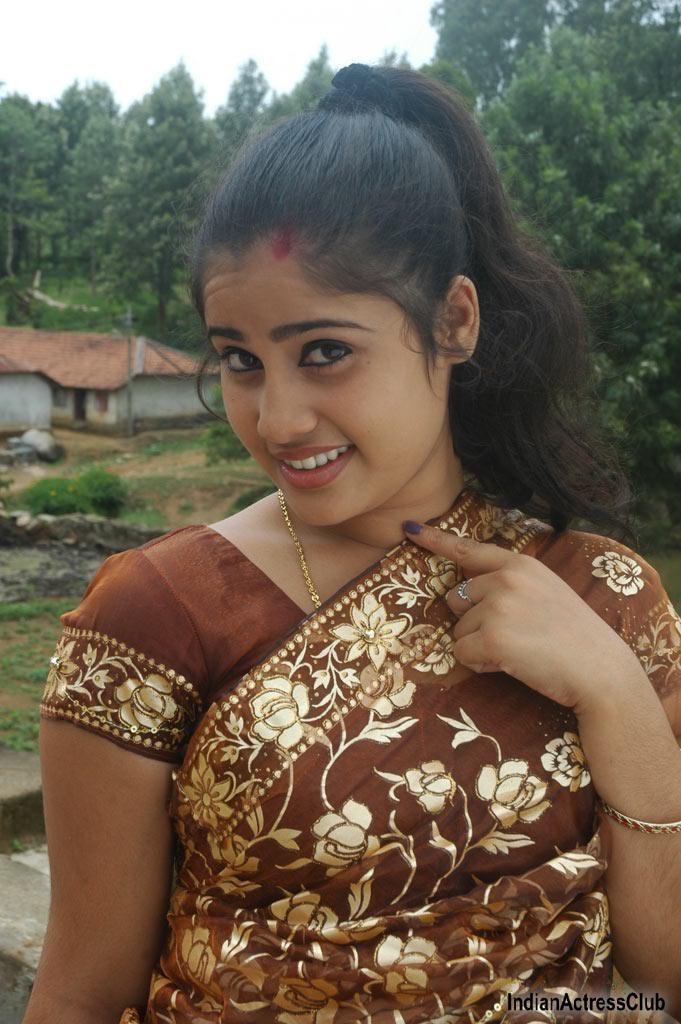 Charmi Kaur Cute Wallpapers Jesmy S New Stills From Solla Maaten Indian Actress Club