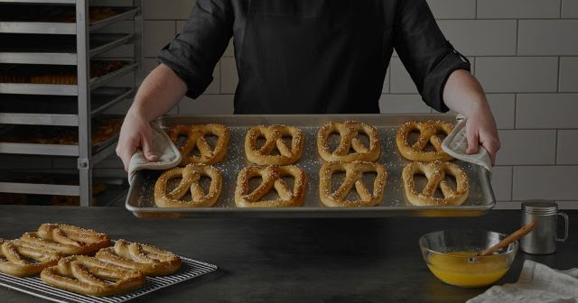 $1 Pretzels at Pretzelmaker Every Tuesday in January 2018 | Brand Eating