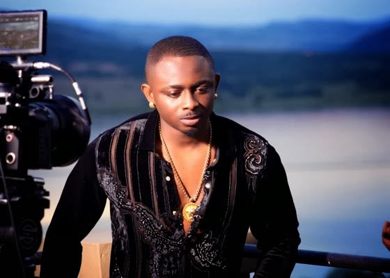 "Are you bleaching? Sean Tizzle replies ""Fuck you"" to interviewer"