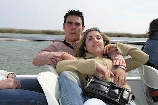 Yolanda y yo hace 10 años en el crucero por el Delta...ha llovido.