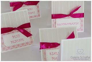 etykietki do ozdoby słodkiego stołu candy baru różowe kolorowe