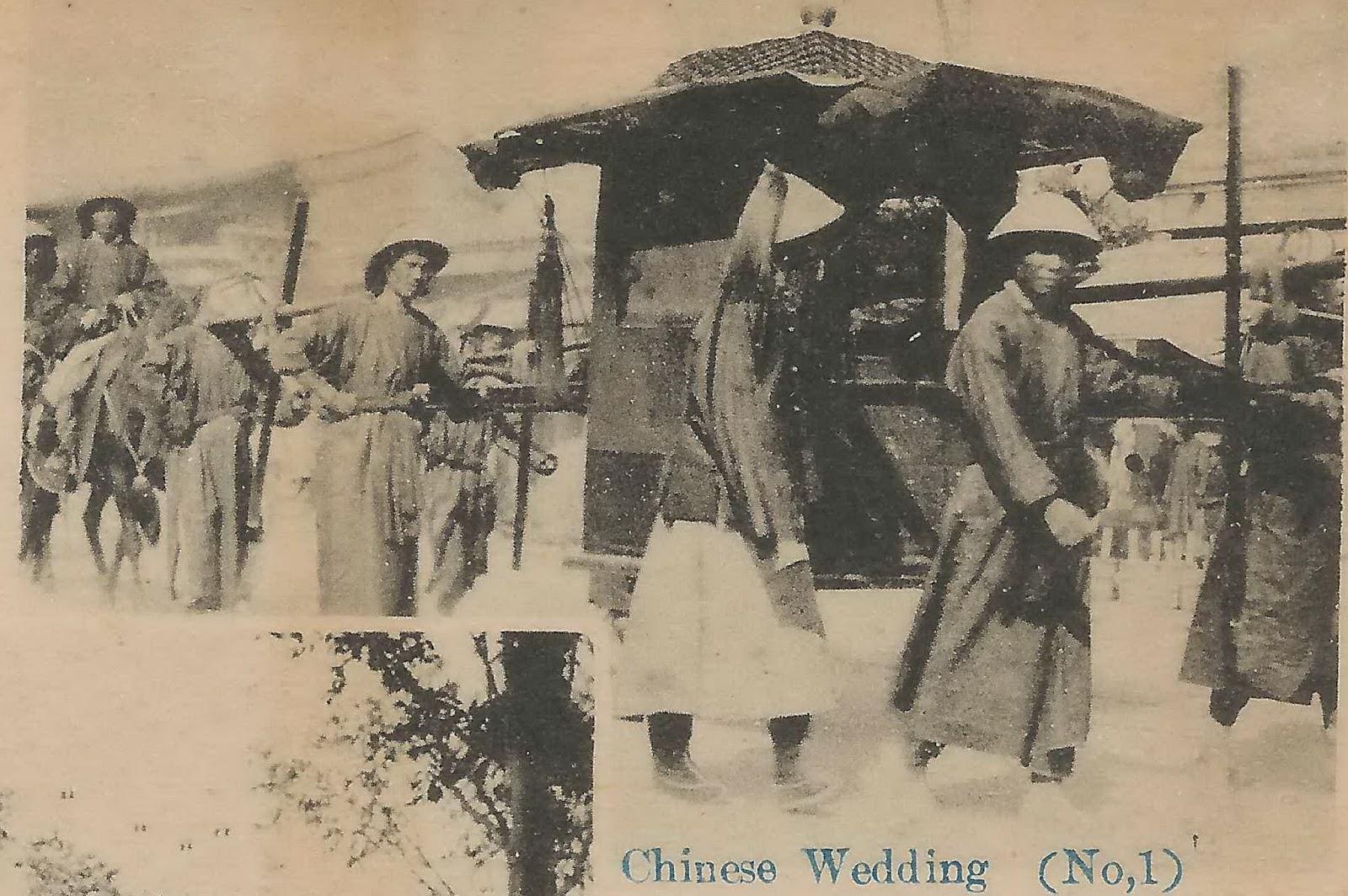 Homens carregando uma liteira para casamento chinês de antigamente: ilustra a seção a respeito dos textos das linhas de ''Chi Chi / Após a Conclusão'', um dos 64 hexagramas do I Ching, o Livro das Mutações