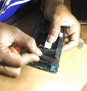 cara mudah membongkar casing bodi smartphone LG G3 - pramud blog