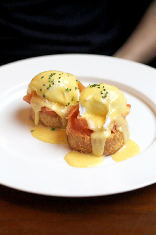 Eggs royale for Saturday brunch at the Devonshire Club - London restaurant blog
