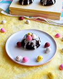 https://lachocolaterapia.blogspot.com.es/2018/03/mini-bundt-cakes-de-chocolate-y-huevos.html
