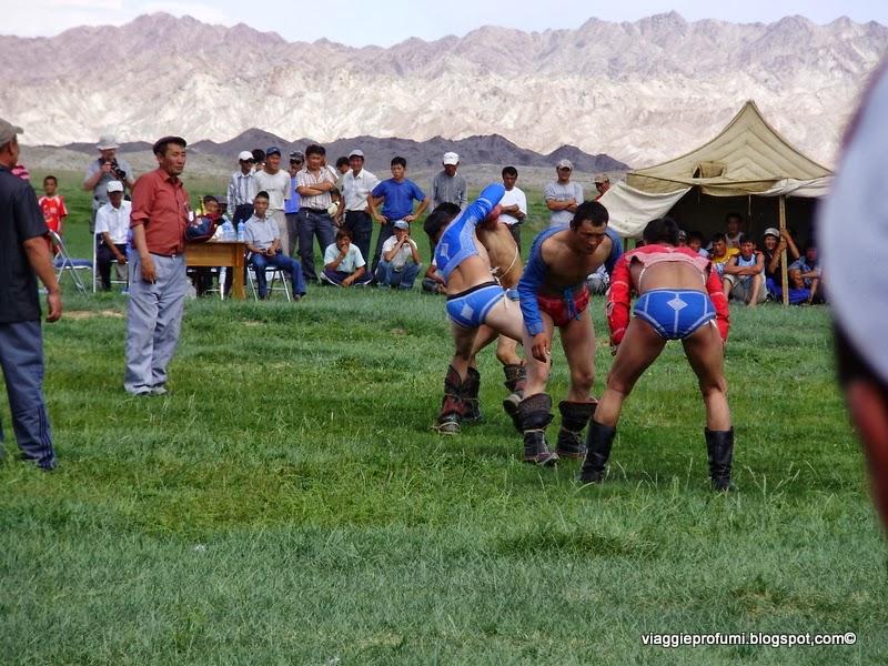 Mongolia, gare di lotta libera