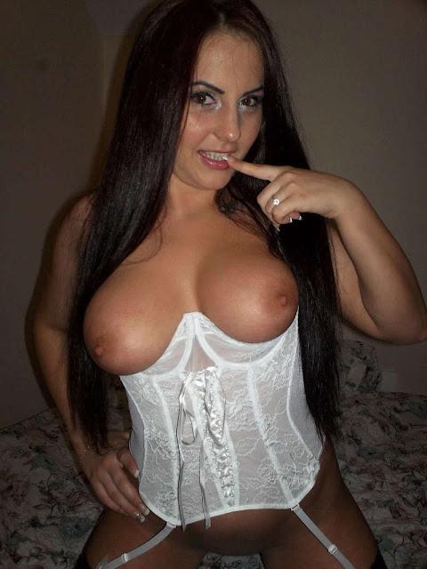 sexy busty milf 01