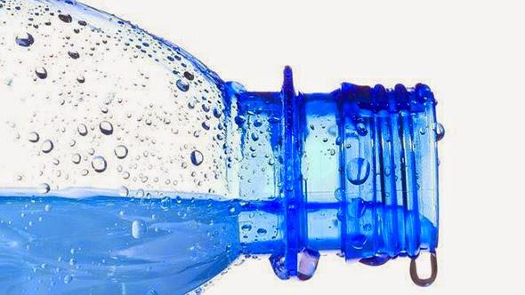 agua-plástico