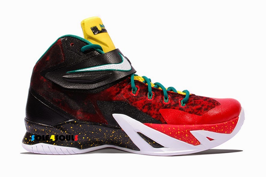info for 203c2 5edc4 Sole4Souls : Nike Zoom Soldier VIII PRM Christmas
