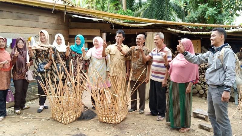 Tingkatkan Inovasi Desa, Camat Barumun Selatan dan Tim Inovasi Kunjungi Pengerajin