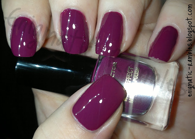 swatch-max-factor-intense-plum