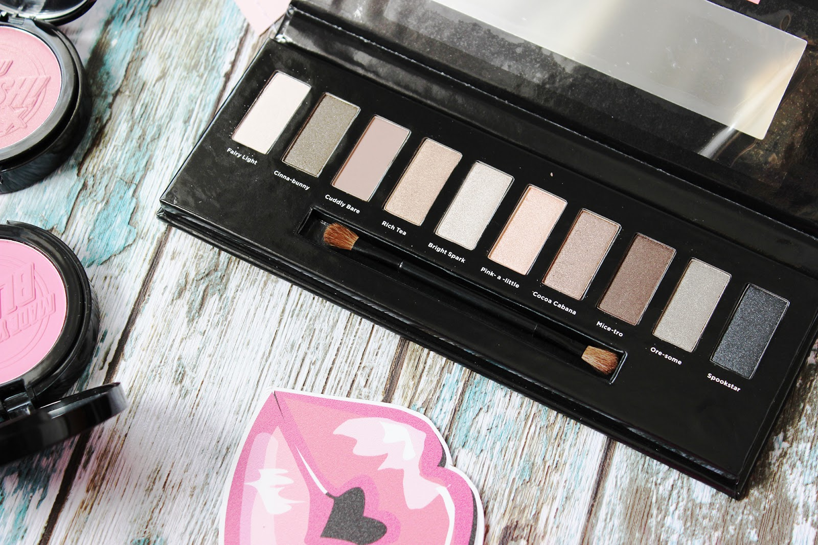 Soap & Glory Kick into Neutral eye shadow palette review