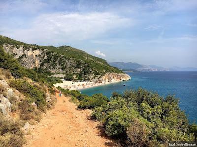 Plage isolée de Gjipe, coin de paradis sur la côte de l'Albanie