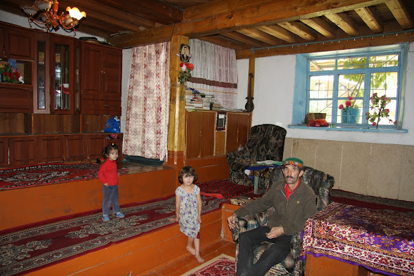 Tadjikistan, Haut-Badakhshan, Khorog, Sobir, maison pamiri, © L. Gigout, 2012