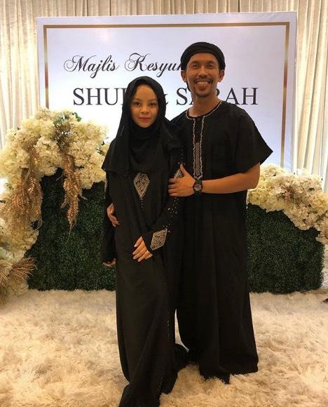 Tampil Berhijab, Siti Sarah Mohon Doa Semua