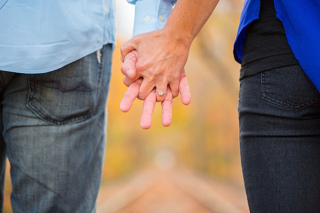 mature-couple-holding-hands