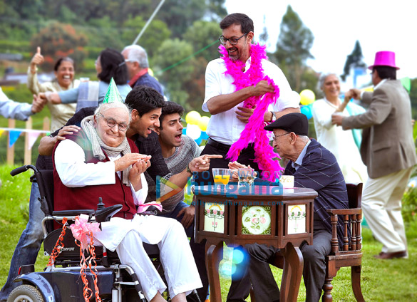 film review kapoor and sons