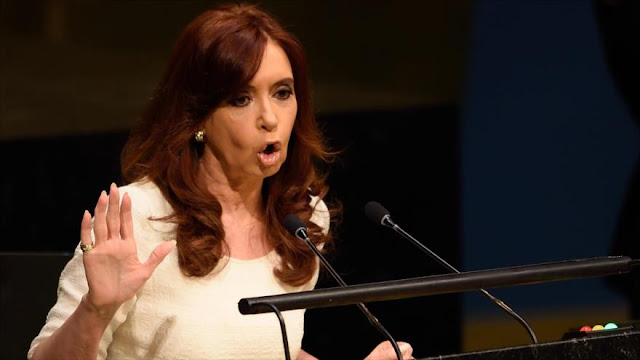 Cristina Fernández: En Argentina hay persecución ideológica y hostigamiento mediático