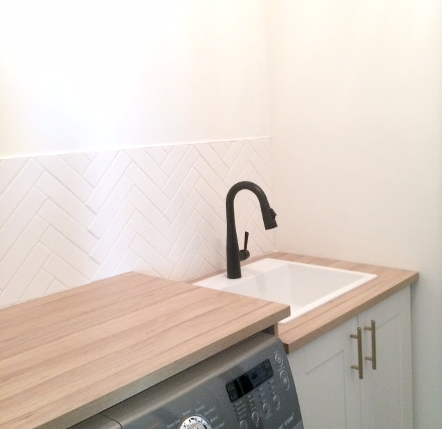how-to-herringbone-tile-backsplash-harlow-and-thistle-11