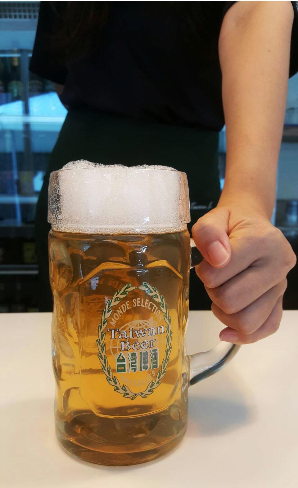 Tavern L Hostel 客棧田僑 青年旅館 : 臺灣啤酒Taiwan beer