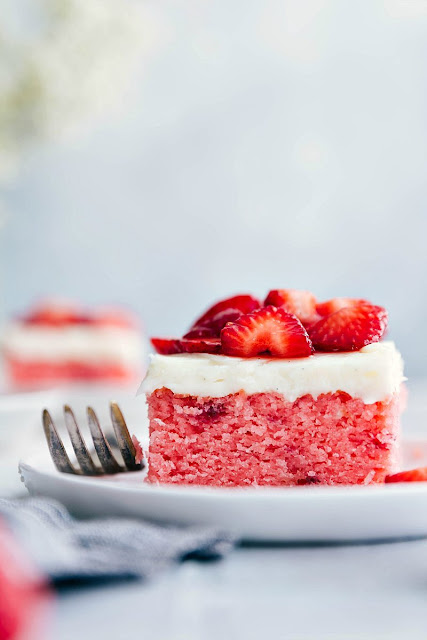 STRAWBERRIES AND CREAM CAKE – EASY TO MAKE