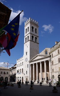 The Temple of Minerva on Piazza del Comune