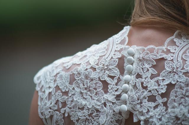 Jak powinna wyglądać ślubna biżuteria?