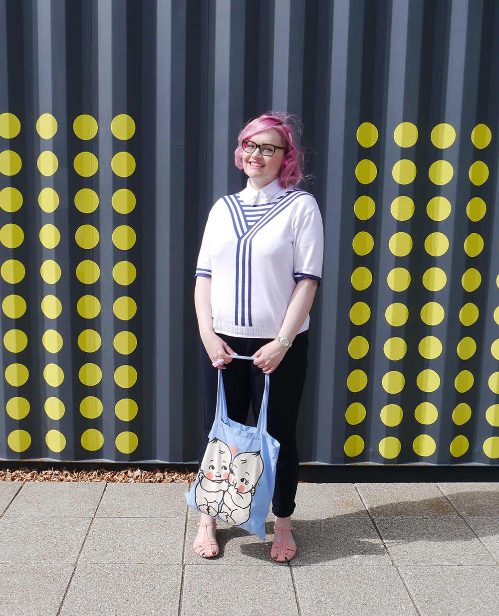 DIY pompom collar, how to make a pom pom collar, vintage sailor top, Abandon Ship Apparel kewpie collection, Dundee Blogger, pink hair fashion blogger