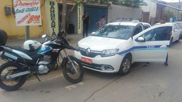 Guarda Municipal recupera táxi roubado em Rio das Ostras (RJ)