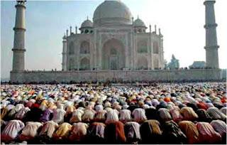 Hukum Membaca Al Fatihah bagi Makmum, Imam, Shalat Sendirian
