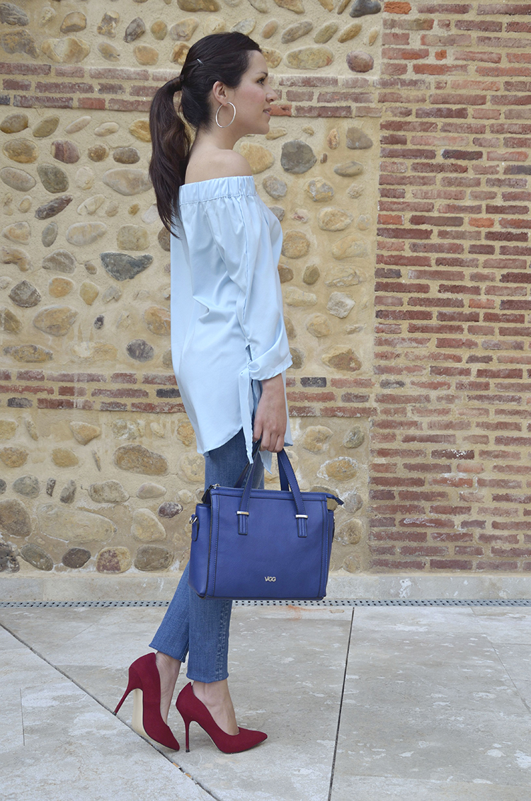 blue-look-outfit-azul-off-the-shoulders-blouse-jeans-red-stilettos-trends-gallery
