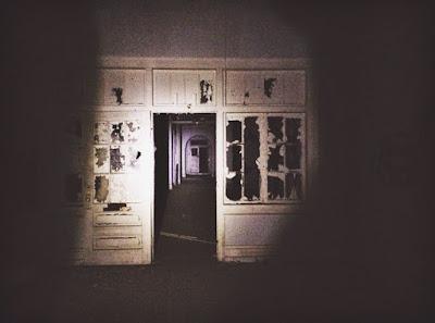 Jezive do kosti slike iz napuštene bolnice.