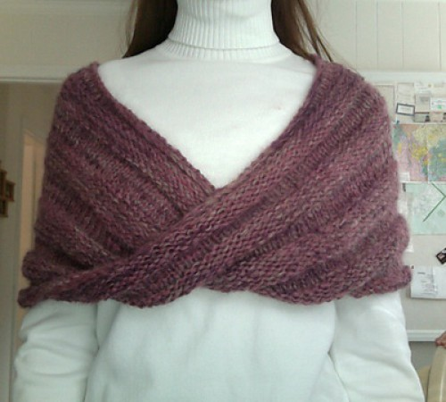 Easy Mobius Capelet - Free Pattern