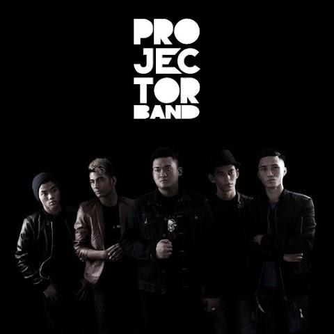 Projector Band - Setia Menantimu MP3