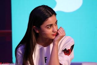 Alia Bhatt looks super cute in T Shirt   IMG 7810.JPG