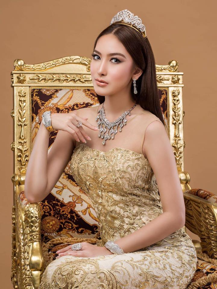 Sue Sha Naing (aka) Patricia Fashion Photoshoot for Taw Win Jewelry Store