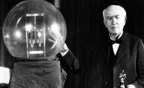 """الفرق بين """"اجتهد فأخطأ"""" و""""افتكس فأخطأ"""" =الفرق بين اديسون وعبعاطي"""
