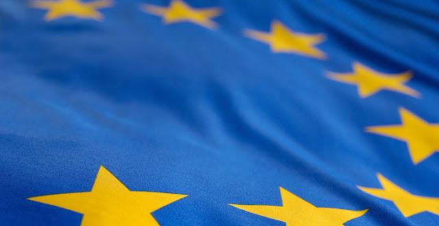 Mit Großbritannien muss ein fairer Austrittsvertrag verhandelt werden. Sonderrechte für das Vereinigte Königreich lehnen wir ab. Für die EU gilt es, den Zusammenhalt der Union mit 27 Mitgliedsstaaten zu bewahren und zu stärken. Diesem Ziel müssen die Verhandlungen mit dem Vereinigten Königreich über den Austritt untergeordnet werden. Vor allem ist es notwendig, dass die EU ihre Probleme angeht. Wir kämpfen dafür, dass unser Europa demokratischer, gerechter und ökologischer wird.