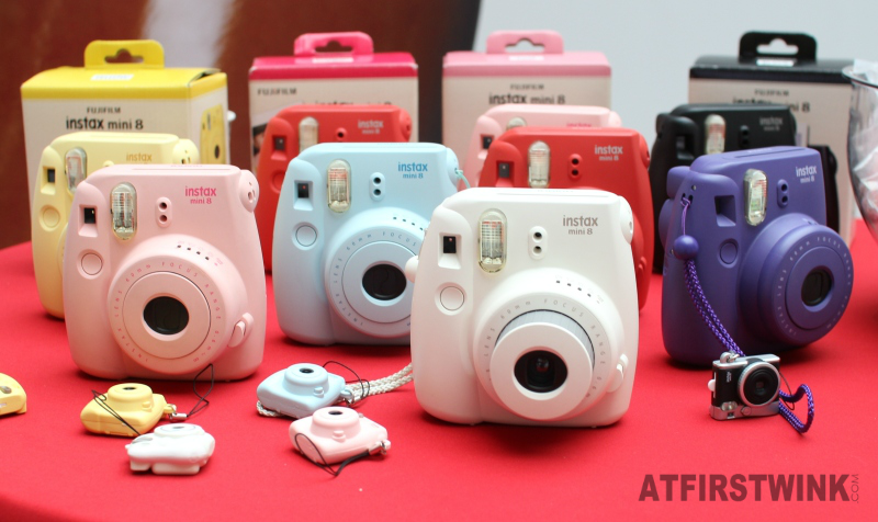 HEMA Fujifilm Instax mini 8 in pink, yellow, blue, red, purple, black, white