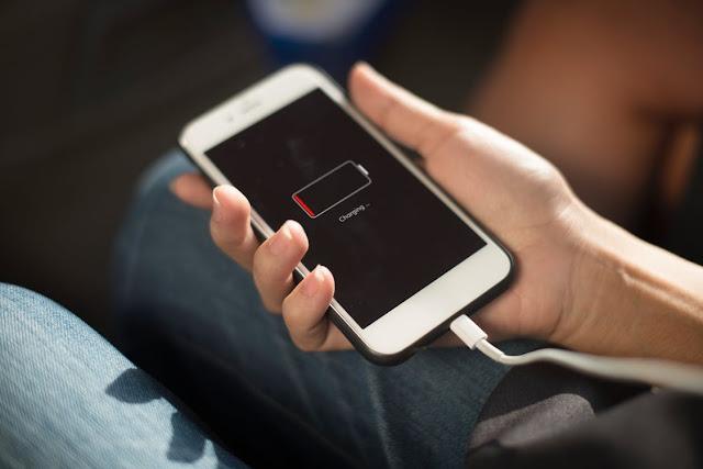 كيف تقوم بالمحافظة على عمر بطارية هاتفك