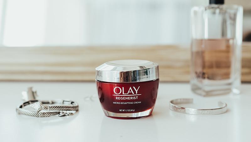 Olay moisturizing cream, moisturizing cream, facial cream