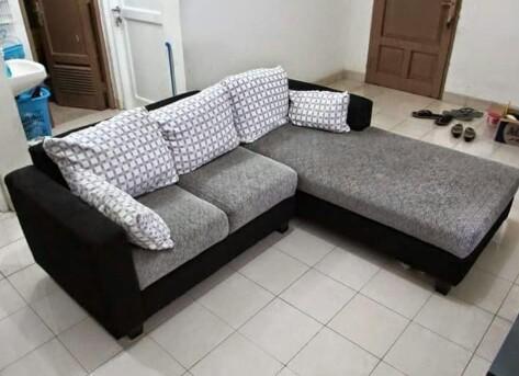 Penataan sofa