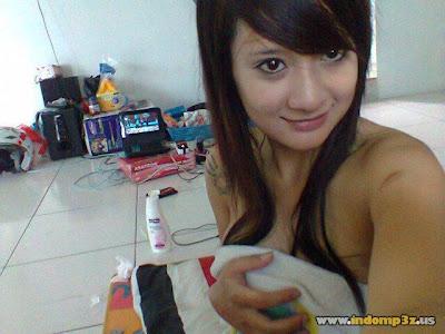 blogcopasdoank.blogspot.com - Foto ABG Mulus Narsis Pamer Body Mulus