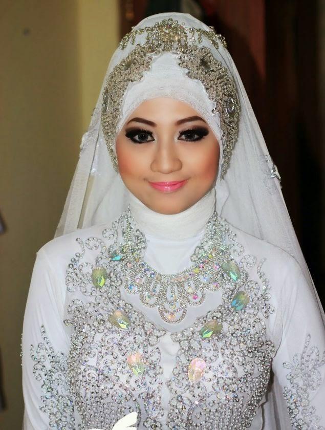 Rias Pengantin Muslim cantik