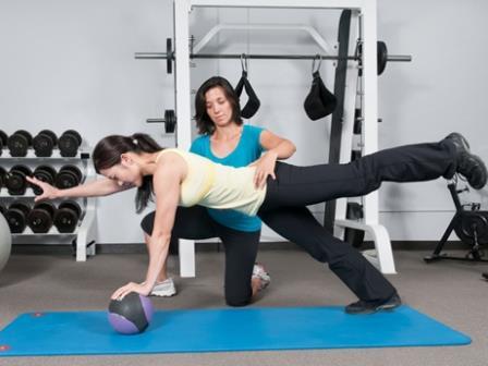 Melatih Keseimbangan Tubuh dengan Latihan Core Stability Exercise